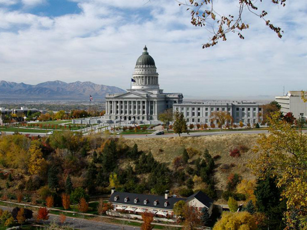 2012 Law Seeks Return of 31+ Million Acres to the Beehive State In 2012, Utah Gov. Gary Herbert signed into law the Transfer of Public Lands Act,...