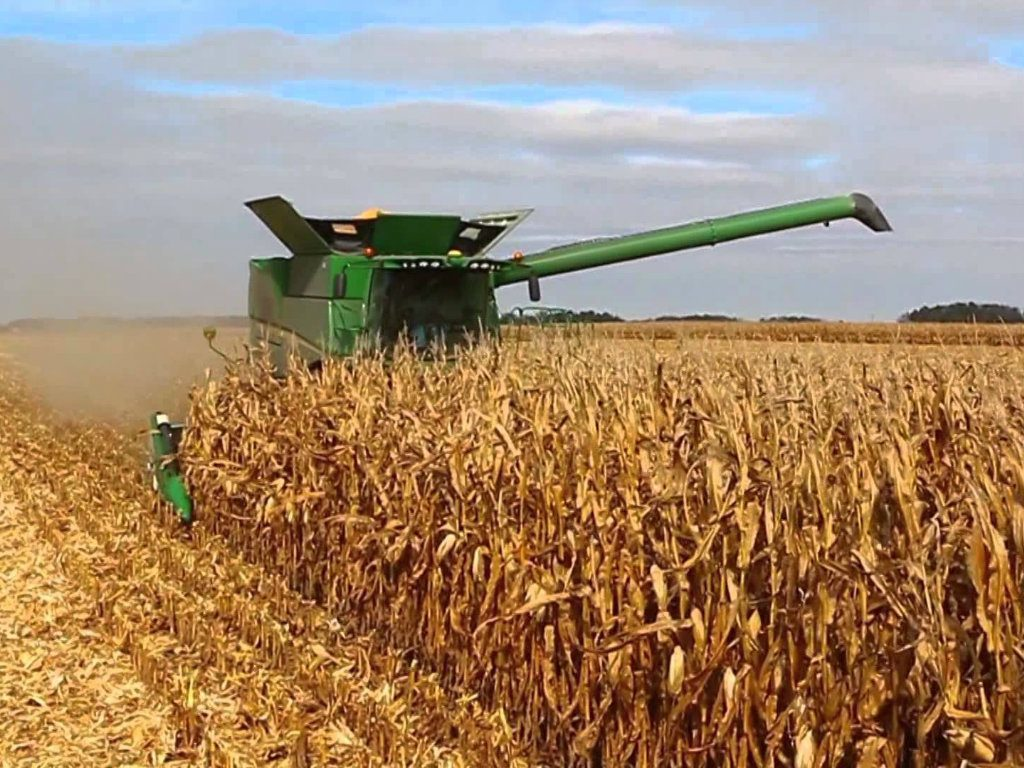 Farmland values in the Midwest decreased by just 1 percent in 2016, thanks to record-setting production numbers. At 15.1 billion bushels, US corn...
