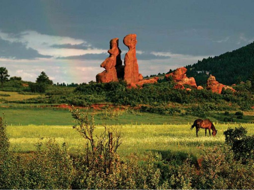 """Ken Mirr of Mirr Ranch Group brokers $18.75 million transaction featuring """"one of the most remarkable landscapes in the Front Range."""" Almost a..."""