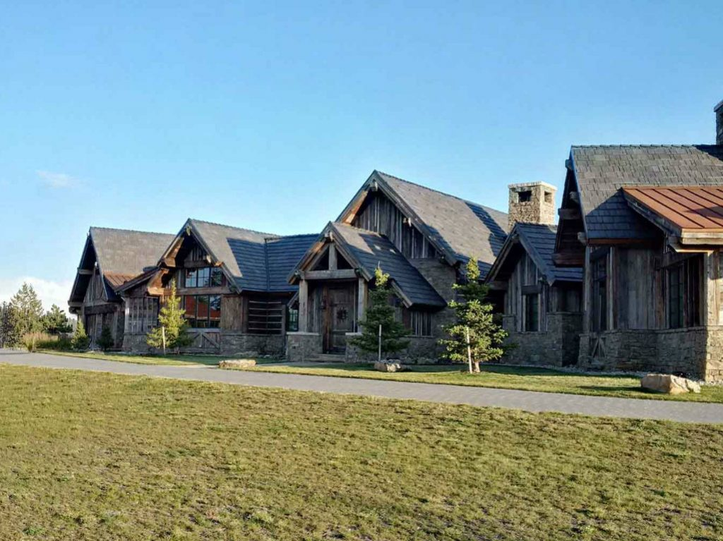 Bordered by national forest and set on more than 19 forested acres, Vista Ridge offers 360° views from its primary residence, including 14,265-foot...