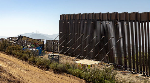 Departments of Justice and Defense Prepare to Condemn Private Lands for Border Wall | The Land Report