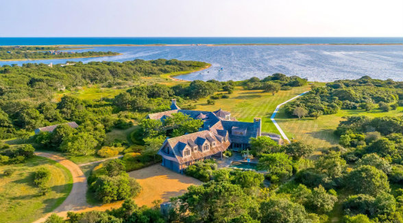 Obamas Close on 29-Acre Vineyard Estate | The Land Report